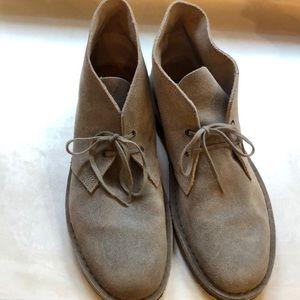 Clark's Desert Chukka Boots Men 9 1/2 hardly worn